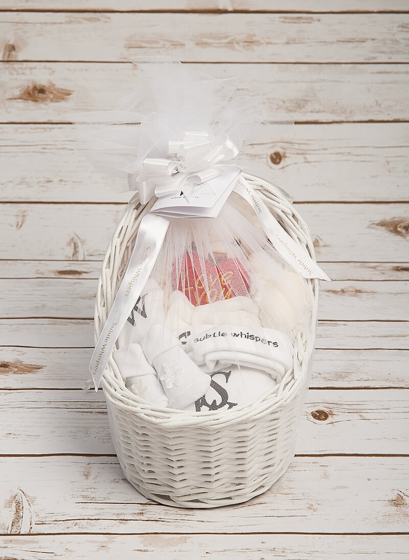 Subtle_Whispers_luxury_baby_welcoming_hamper_p00001