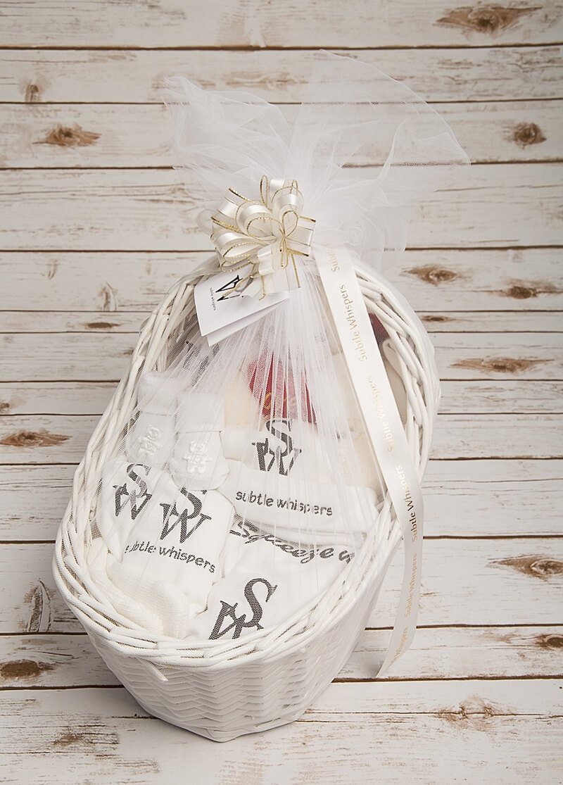 Subtle_Whispers_super_luxury_baby_welcoming_hamper_p00015